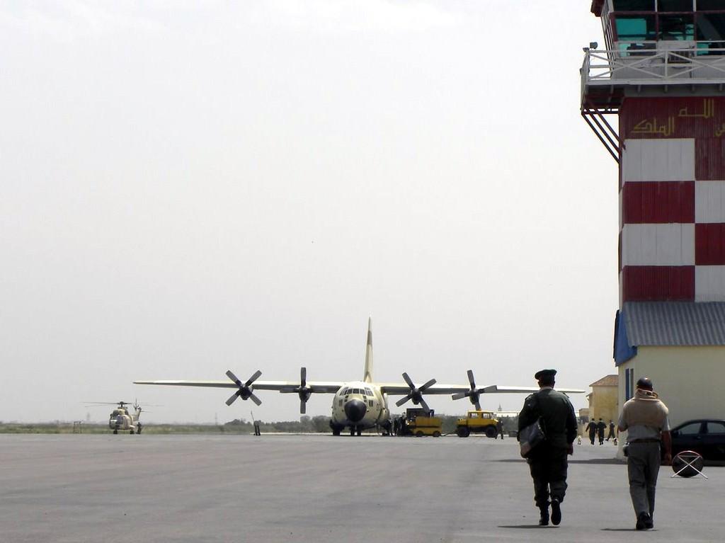 طائرات النقل العاملة بالقوات المسلحة المغربية Clipbo18