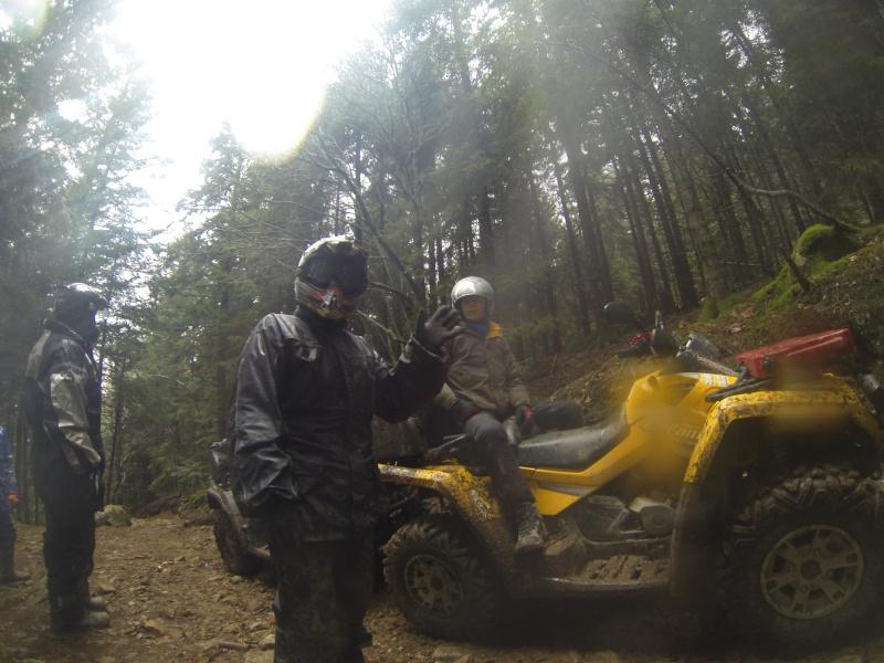 sortie en auvergne avec les cool quad Gopr0016
