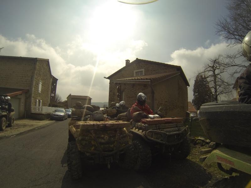 sortie en auvergne avec les cool quad Gopr0118