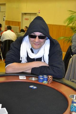 Coverage Freeroll MS Poker Club Villeneuve d'Ascq du 31/03 au 01/04/2013 48223510
