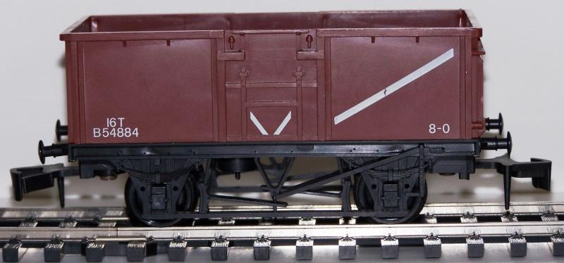 """Les différentes décorations du wagon tombereau """"Mineral"""" anglais de Lima Lima_m10"""