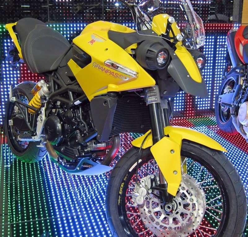 Morini 350 Sport: l'autre V-twin Img_2410