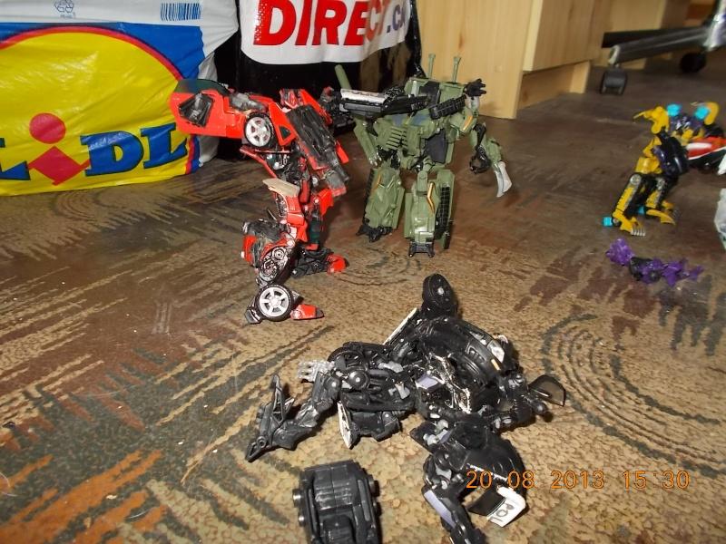 Vos montages photos Transformers ― Vos Batailles/Guerres | Humoristiques | Vos modes Stealth Force | etc - Page 9 Dscn0119