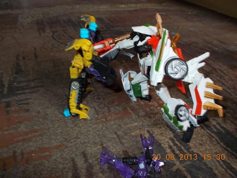 Vos montages photos Transformers ― Vos Batailles/Guerres | Humoristiques | Vos modes Stealth Force | etc - Page 9 Dscn0120