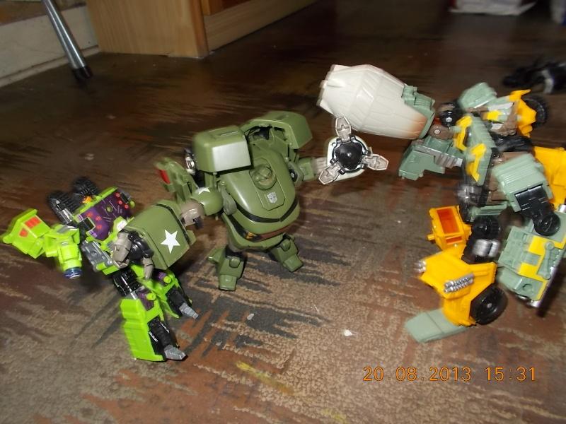 Vos montages photos Transformers ― Vos Batailles/Guerres | Humoristiques | Vos modes Stealth Force | etc - Page 9 Dscn0122