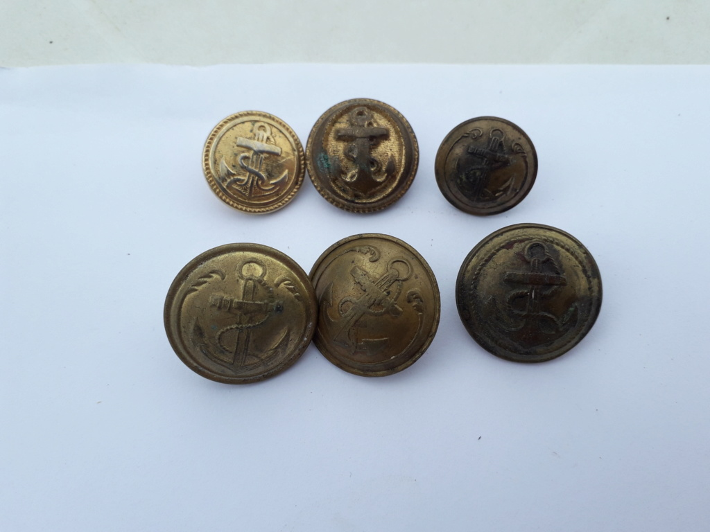 Boutons militaire?  20200423