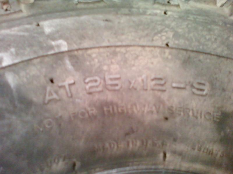 -VENDUS-2 pneus profil gazon DICO TURF TAMER 25x12-9 Photo-50