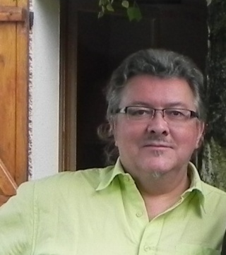 François Chevillon expose 3 mois au Clos du Pétillon à Théméricourt Dscn0511