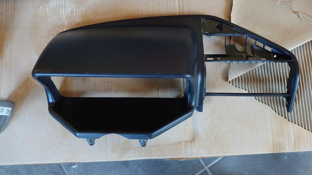 Échange casquette de compteur gris contre une noir  Dsc_0111