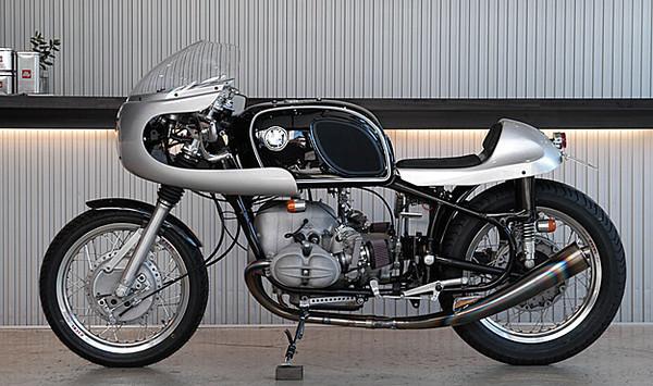 C'est ici qu'on met les bien molles....BMW Café Racer - Page 10 10951111