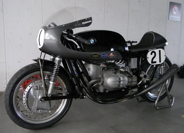 C'est ici qu'on met les bien molles....BMW Café Racer - Page 9 70796010
