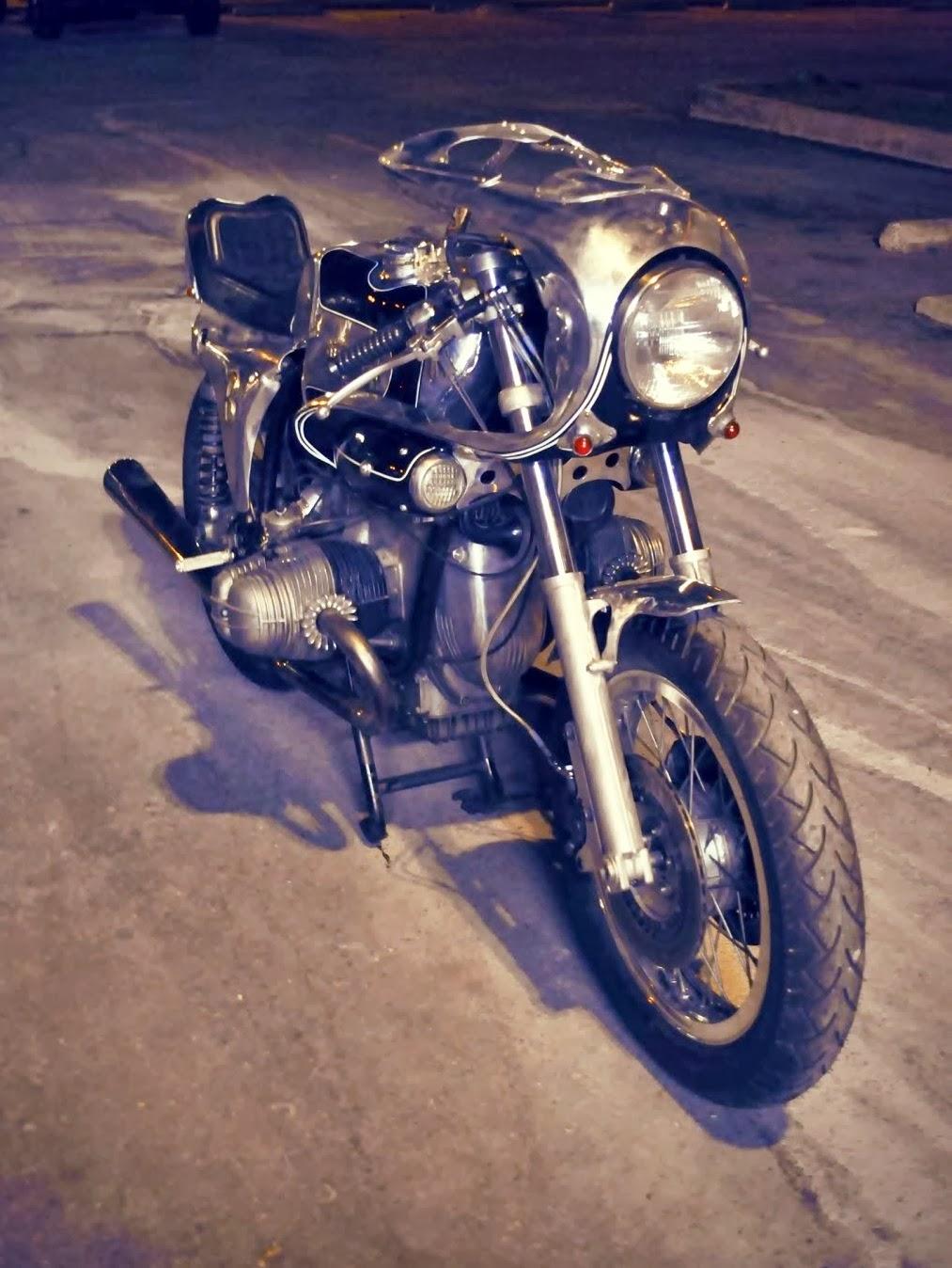 C'est ici qu'on met les bien molles....BMW Café Racer - Page 10 Bmw_ki10