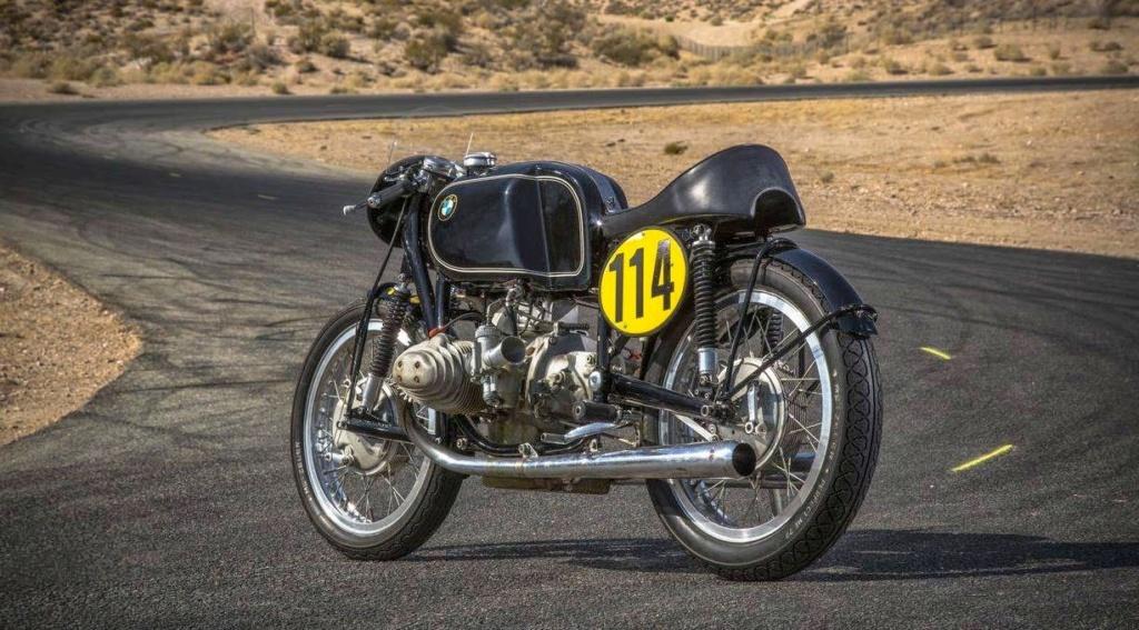C'est ici qu'on met les bien molles....BMW Café Racer - Page 11 Bmw_rs10