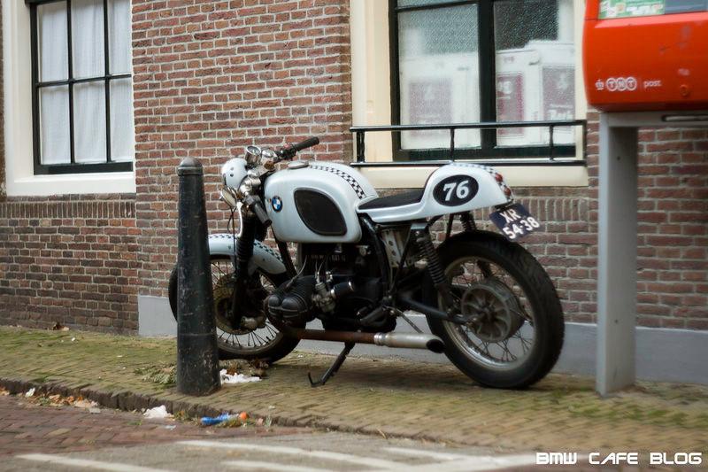 C'est ici qu'on met les bien molles....BMW Café Racer - Page 11 I-kpbn10