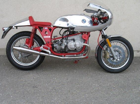 C'est ici qu'on met les bien molles....BMW Café Racer - Page 12 Rouge-10