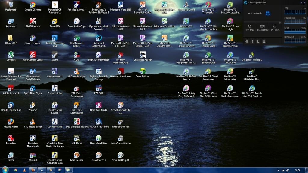 Show us your desktop! Deskto13