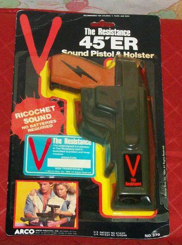 V , les visiteurs ( LJN ) Pistol10