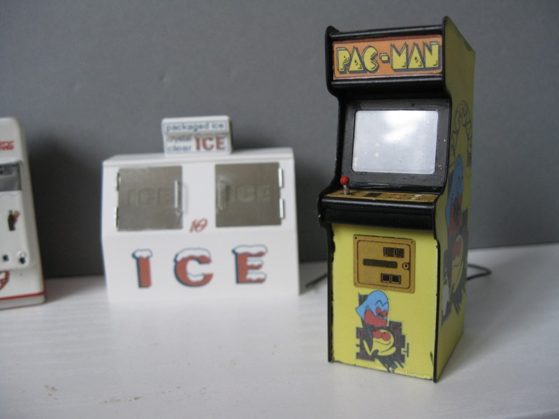 Accessoires diorama : le flipper au 1:25 Img_4119