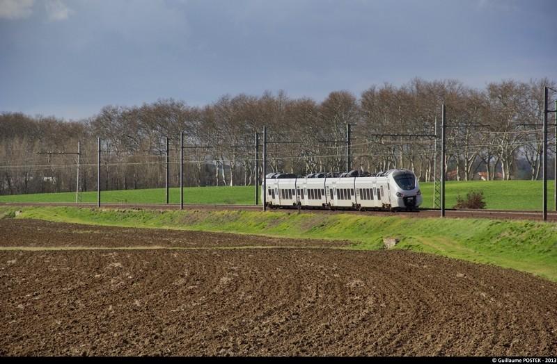 Photos et vidéos de la ligne Bordeaux - Toulouse - Narbonne - Sète (2007-2013) - Page 37 Img_0811