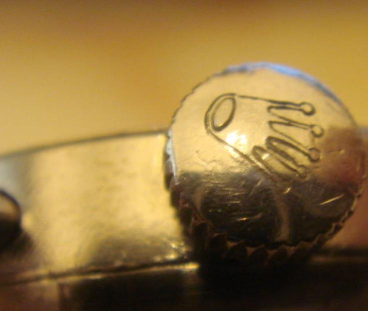 PIECE EXCEPTIONNELLE : TRES RARE Rolex chronograph 2 compteurs, anses articulées, référence 2705, numéro 38325,  acier des années 30; toute signée. Captur13