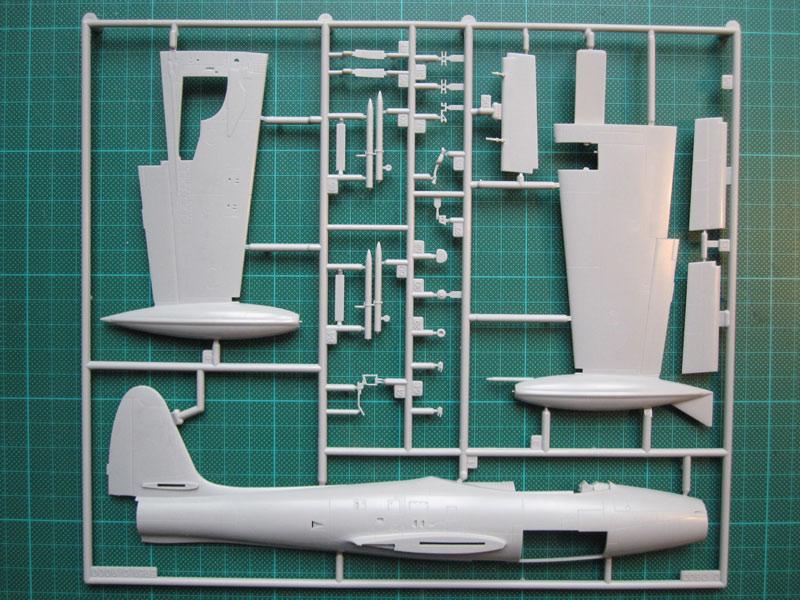 F-84 Thunderjet in 1:48 von Revell Rahmen11