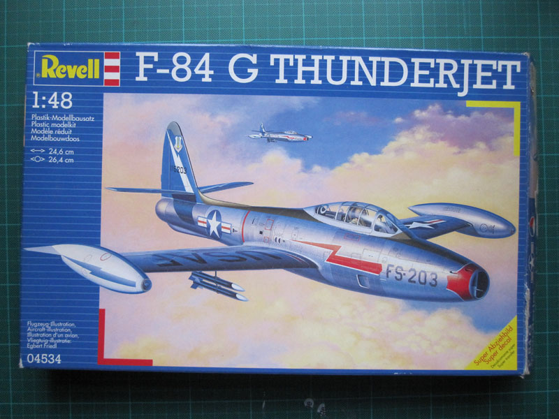 F-84 Thunderjet in 1:48 von Revell Verpac11
