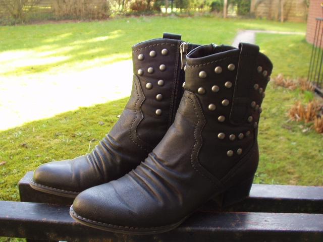 Frauen und Schuhe - Seite 15 P1010011