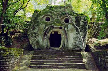 Edifici e luoghi misteriosi in Italia: consigli di viaggio Boomar10