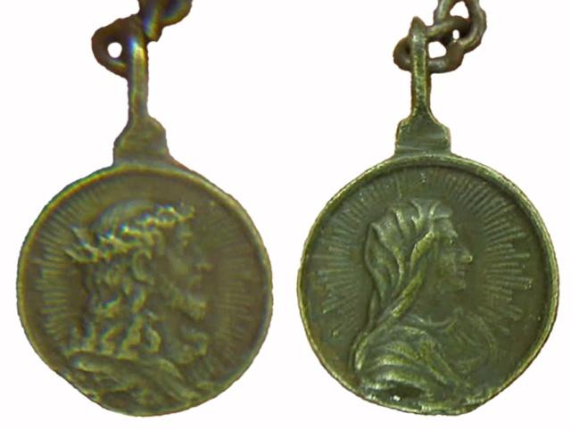 Recopilación medallas con el Rostro de Cristo ( Salvator Mvndi II) C3_jes12