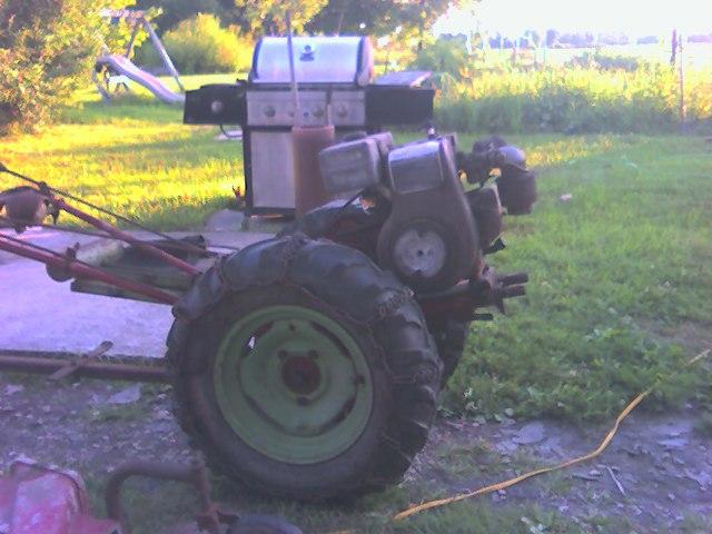 David Bradley 2 wheel pull tractor Snapsh14