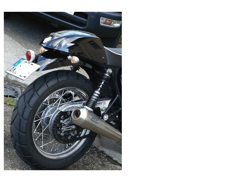 pneus thruxton Droit110