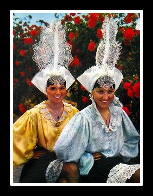 Etude de coiffes et de costumes Des_sa10