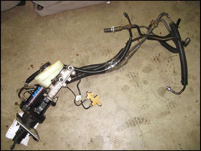 master cylinder brake lines Mustan10