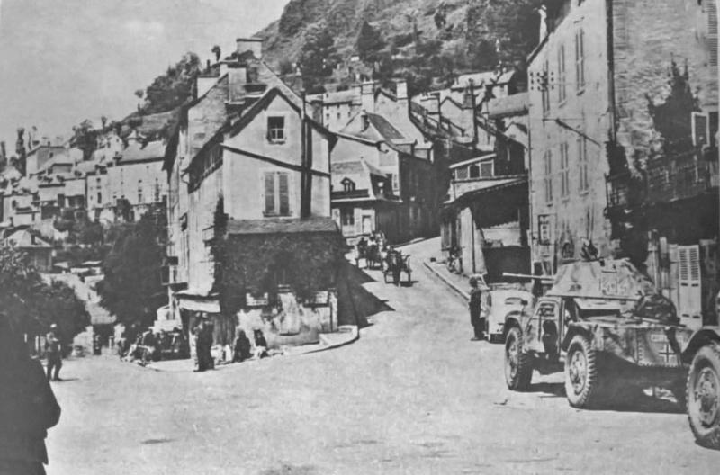 [Photos] Véhicules des troupes allemandes en Auvergne ! 49690710