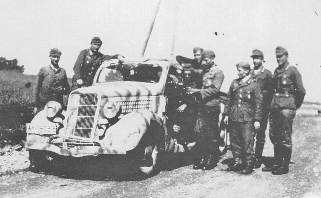 [Photos] Véhicules des troupes allemandes en Auvergne ! Ford_v10