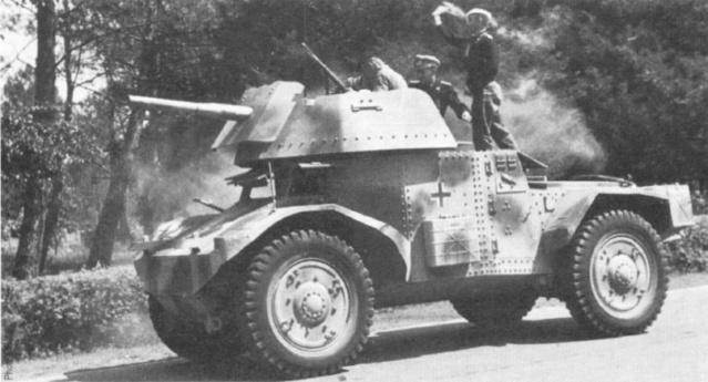 [Photos] Véhicules des troupes allemandes en Auvergne ! Panhar10