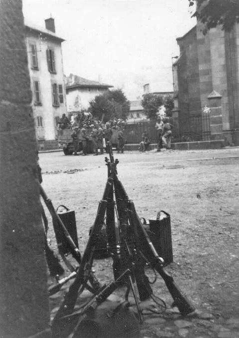 [Photos] Véhicules des troupes allemandes en Auvergne ! Photo_10