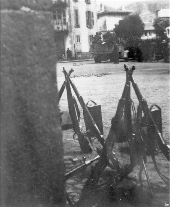 [Photos] Véhicules des troupes allemandes en Auvergne ! Photo_11