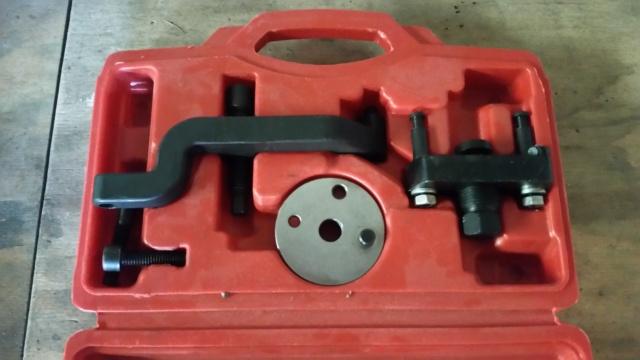 Extracteur pour démontage pompe à eau Volkswagen T5 moteur R5 (vendu) 20180711