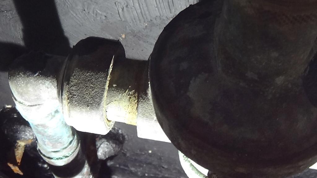 Problème de plomberie Dsc00210