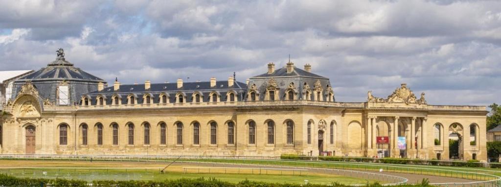 Le domaine de Chantilly - Page 14 20330310