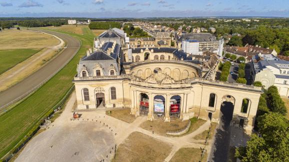 Le domaine de Chantilly - Page 14 20330311