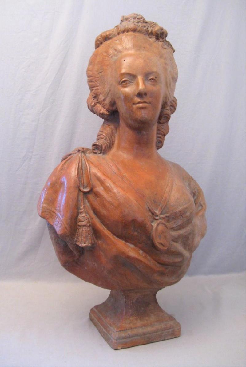 A vendre: bustes Marie Antoinette - Page 9 43651610