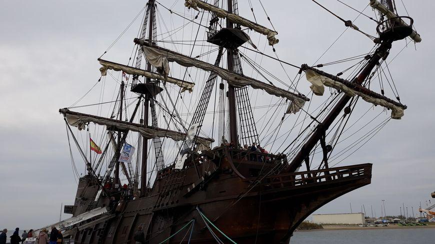 Un galion espagnol dans le port de Sète 870x4810