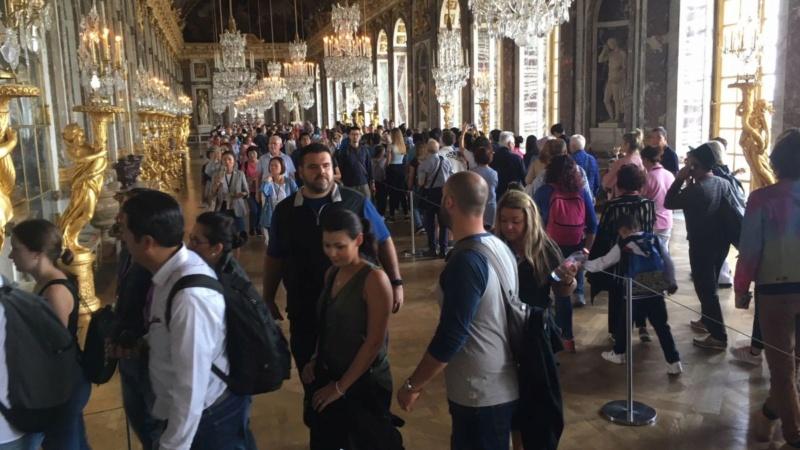 Trop d'affluence et de mauvaises conditions de visite à Versailles : des touristes se plaignent Img_4310