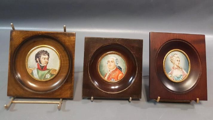A vendre: miniatures de Marie Antoinette et de ses proches - Page 14 Tzolzo37