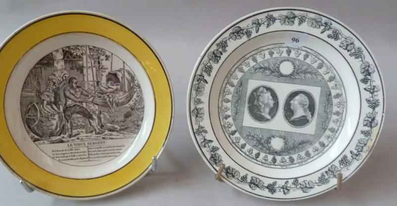 A vendre: Louis XVI et Marie Antoinette - Page 6 Tzolzo39