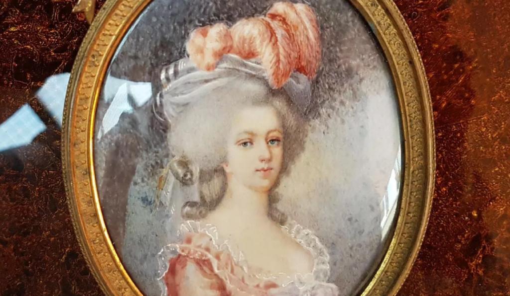 A vendre: miniatures de Marie Antoinette et de ses proches - Page 15 Tzolzo45