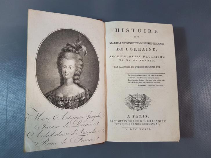 A vendre: livres sur Marie-Antoinette, ses proches et la Révolution - Page 7 Zducre24