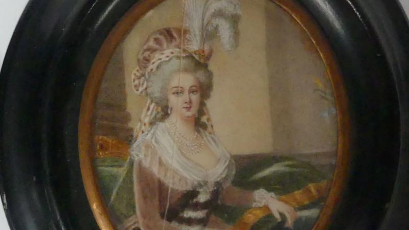 A vendre: miniatures de Marie Antoinette et de ses proches - Page 15 Zducre30